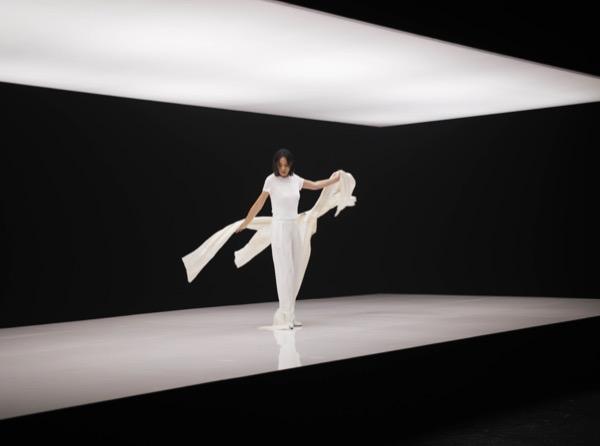 4《黄金年代》MV「大美无形、大繁至简」的现代舞为概念主轴.jpg